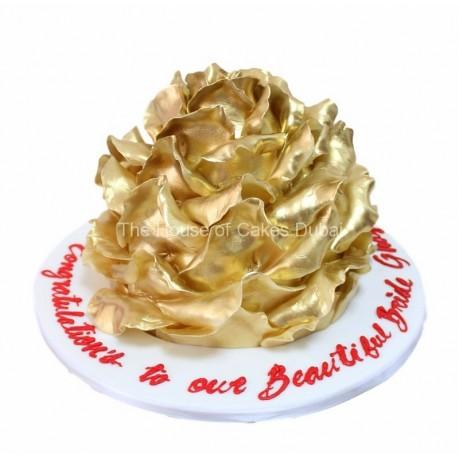 golden rose shape cake 6