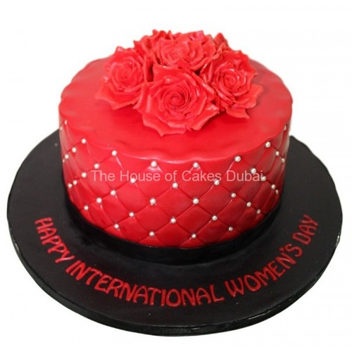 cake with red roses 3 8
