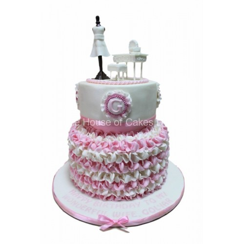elegant dressing table cake 7