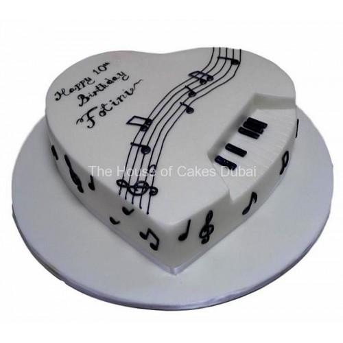 Piano theme heart cake