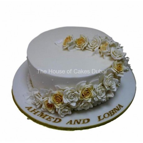 Anniversary cake with roses