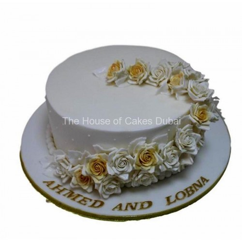 anniversary cake with roses 7