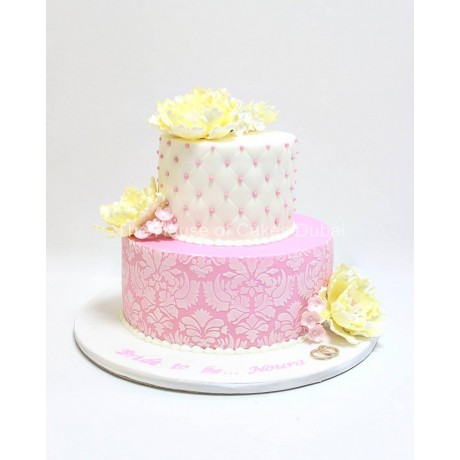 elegant cake with peonies 7