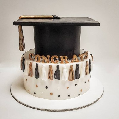 Graduation cake 48