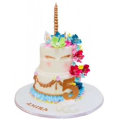 Unicorn cake 32