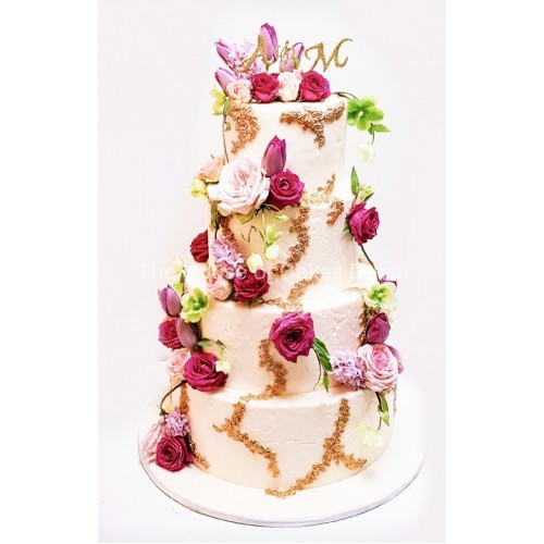 Cake with roses and tulips