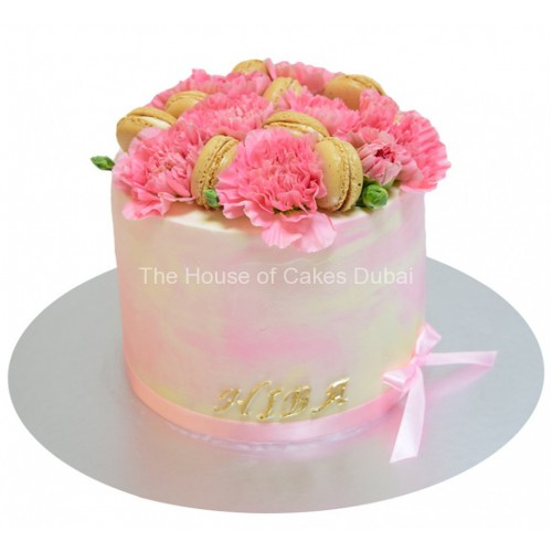 cake with pink carnations and macarons 8