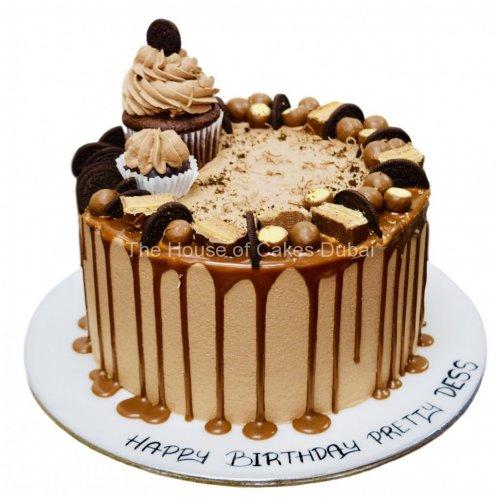 cream cake with cupcake and oreo's 7